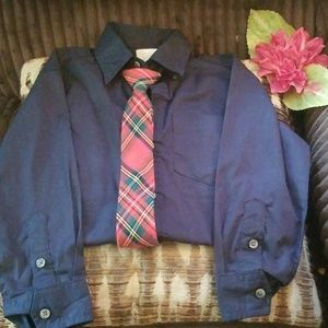 Boys size xs 4/5 button down shirt w/ tie